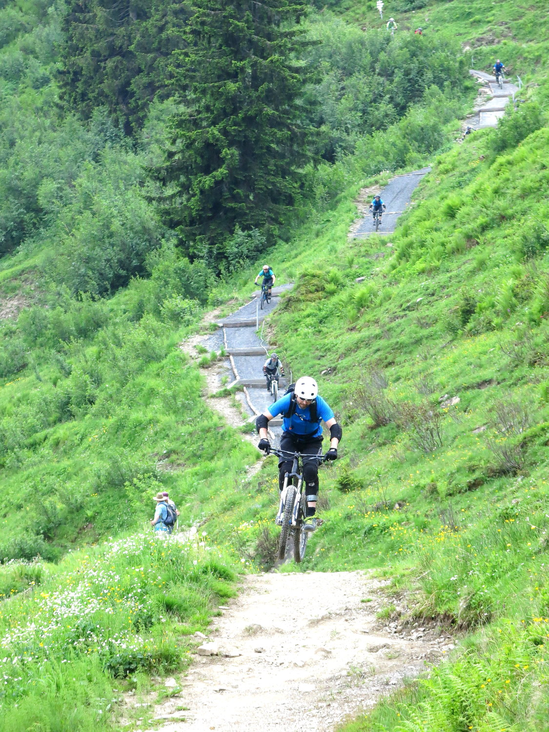 Ride Alpine Trails Mountainbike Freeride & Enduro Camp MTB Enduro Camp Individuelle Tourenplanung Ride on