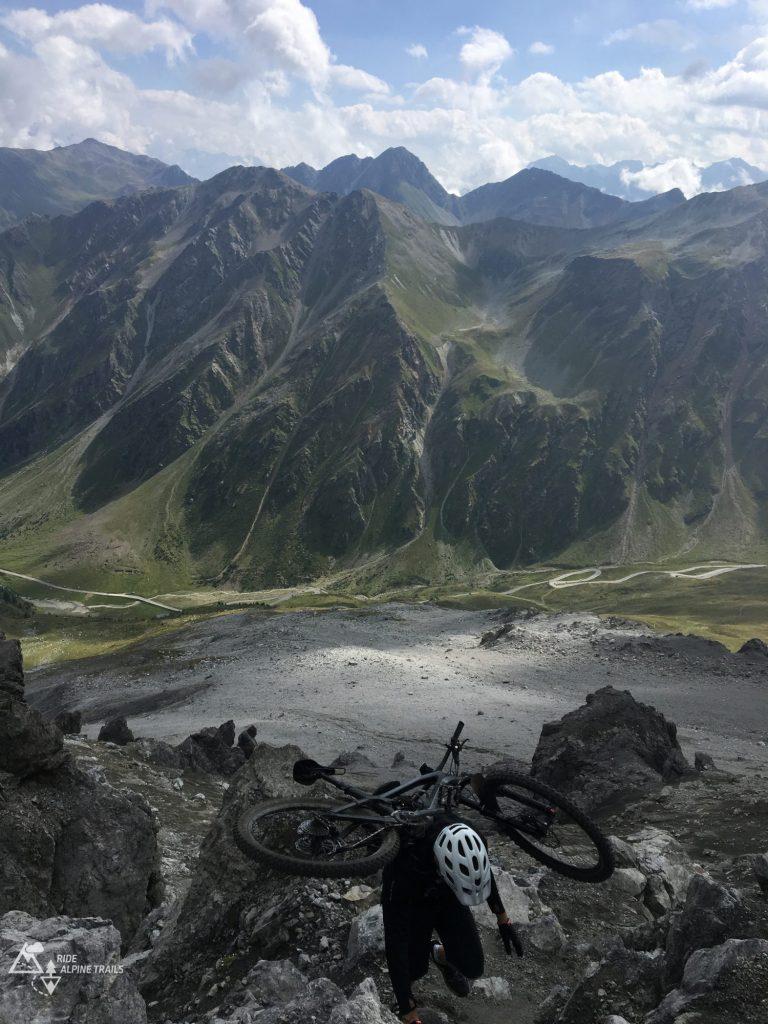 Ride Alpine Trails MTB Mountainbike Camps Freeride Enduro Transalp Alpencross Westalpen Mountains Love MTB Touren Shuttle MTB Guides
